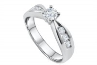 0.86ct. Diamond solitaire Engagement Ring in 18K Gold